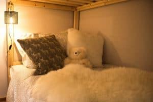 Camera bambini in design alpino di montagna - Nido confortevole