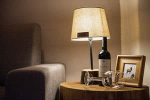 Living room details. Light and wine for your holidays in Pragelato - Sestriere