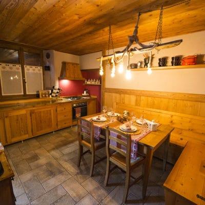 Ampia cucina con vista montagne - Appartamento in affitto a Pragelato