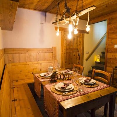 Tavolo per 8 ospiti con bambini - Bed and Breakfast a Pragelato Sestriere