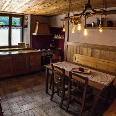 Ampia cucina attrezzata - Casa vacanze a Pragelato in affitto inverno ed estate