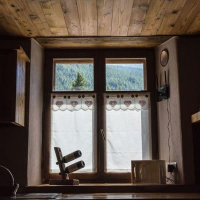Casa appartamento vacanze a Pragelato Sestriere con vista montagne nella natura