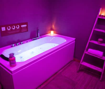 Whirlpool bath SPA - Charme airbnb in Pragelato - Sestriere - Italy